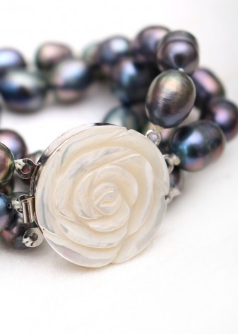 Iridescent Pearl and Rose Beaded Bracelet