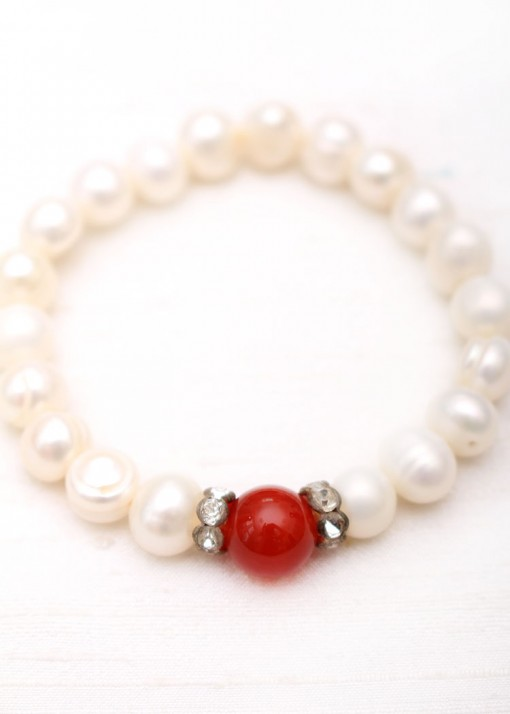 Beaded Agate and Pearl Elegant Bracelet