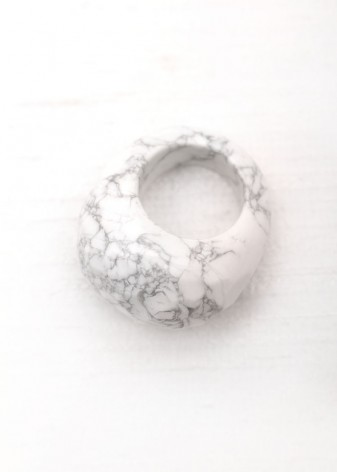 Multi-Faceted Chunky Howlite Ring