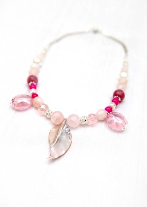 Pendant Rose Petal Necklace