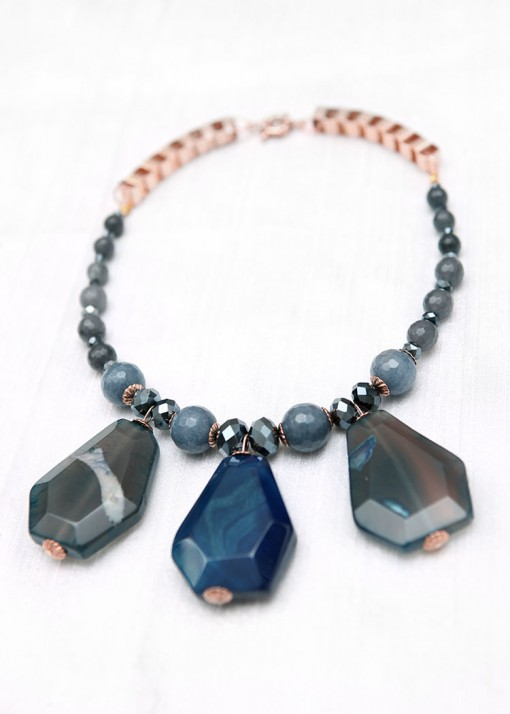 Statement Rosy Blau Necklace
