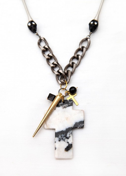 Skull and Cross Cluster Pendant Necklace