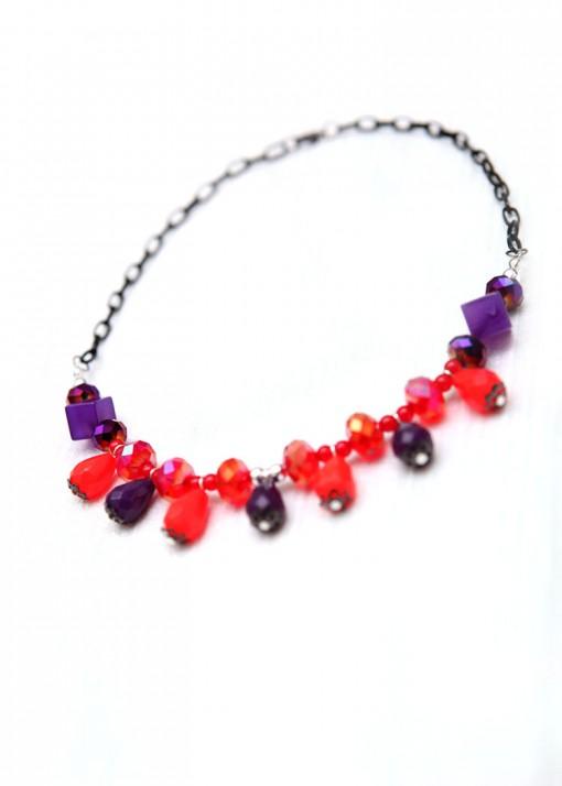 Purple and Red Teardrop Collar